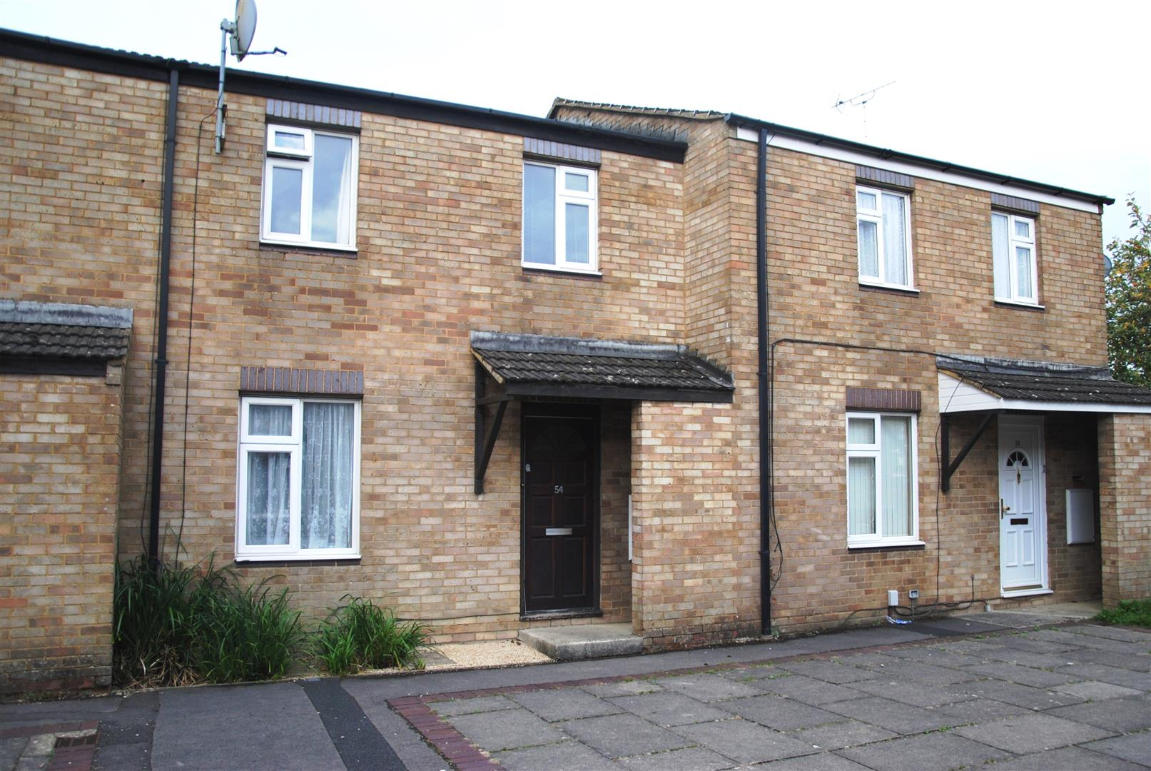 3 Bedrooms Terraced House for sale in Crawford Close, Freshbrook, Swindon